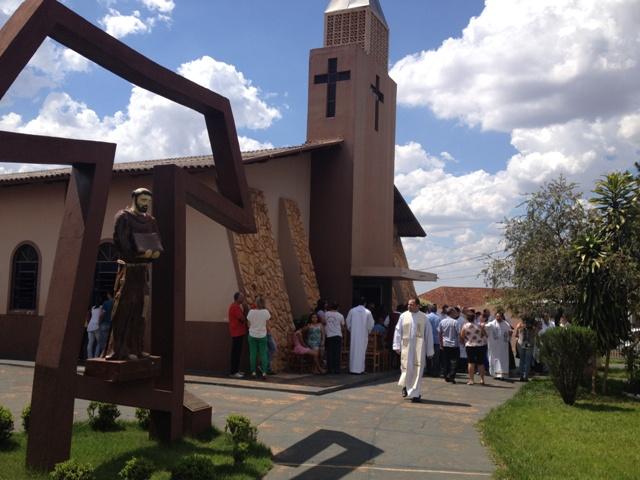 Paróquia São Francisco de Assis – Andirá/PR – MITRA